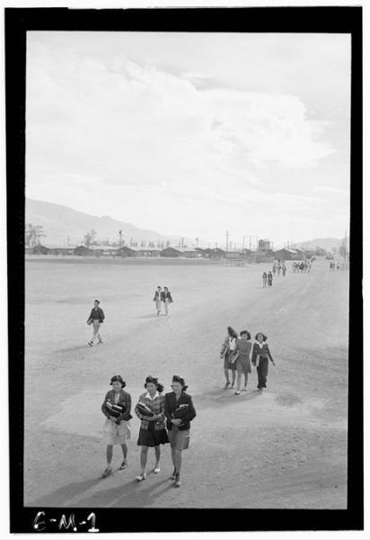 Ansel-Adems-Manzanar-schoolgirls.jpg