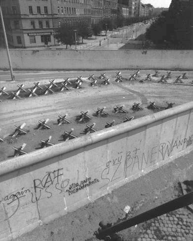 John_Gossage_Bernauerstr,-1982