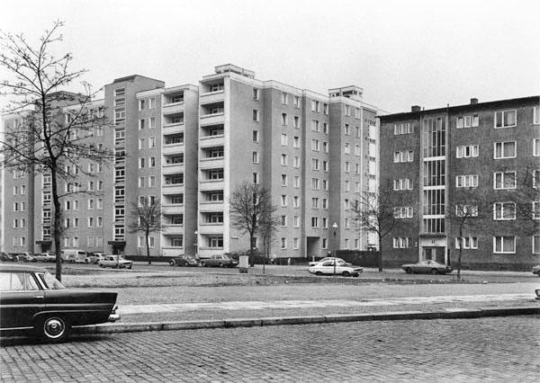 Michael-Schmidt-Berlin-Stadtbilder1976-80-1.jpg