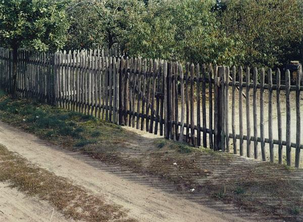 Niewg-Staketenzaun-Golssen-Brandenburg-1994.jpg